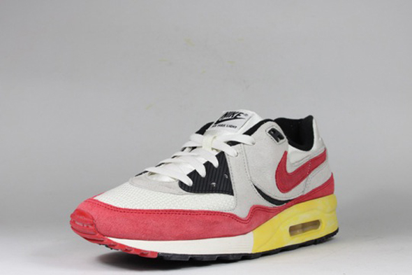 Nike Air Max Light Vintage Red Qs