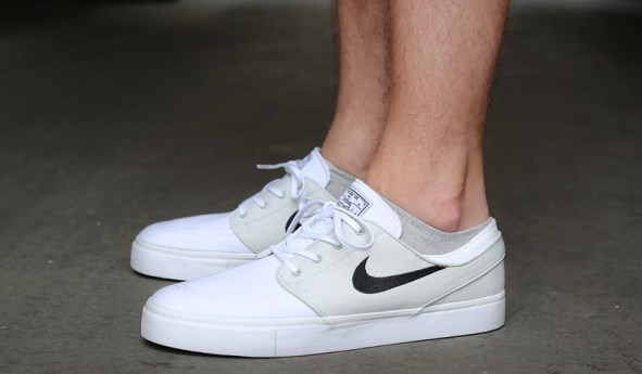 nike sb stefan janoski cnvs light base grey black white. Black Bedroom Furniture Sets. Home Design Ideas