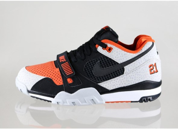 nike-air-trainer-2-prm-qs-(black-black-team-orange-wolf-grey)-632193-002