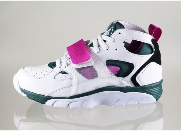 k-nike-air-trainer-huarache-prm-qs- og -(white-dark-emerald-black-medium-berry)-647591-100
