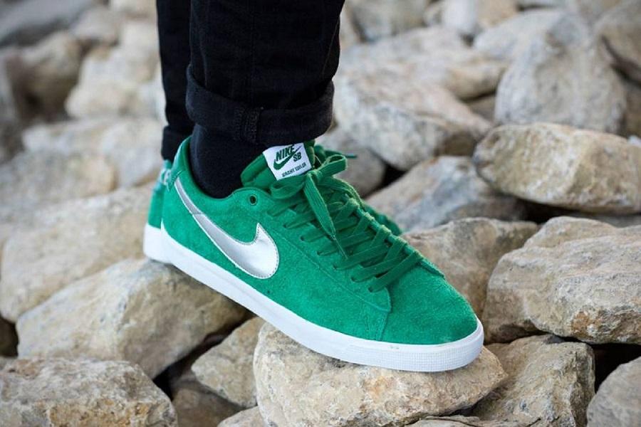 nike sb blazer low pine green