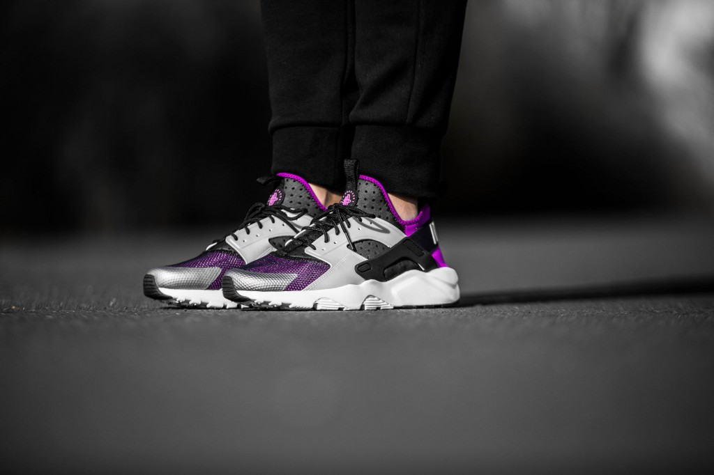 8452fe9a9e8fa Nike Air Huarache Ultra durable modeling. Nike Air Huarache Ultra durable  modeling   The Huarache Ultra was first released as a girls only silhouette  some ...