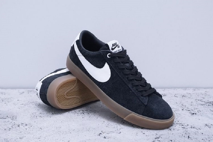 nike blazer low gt black and white