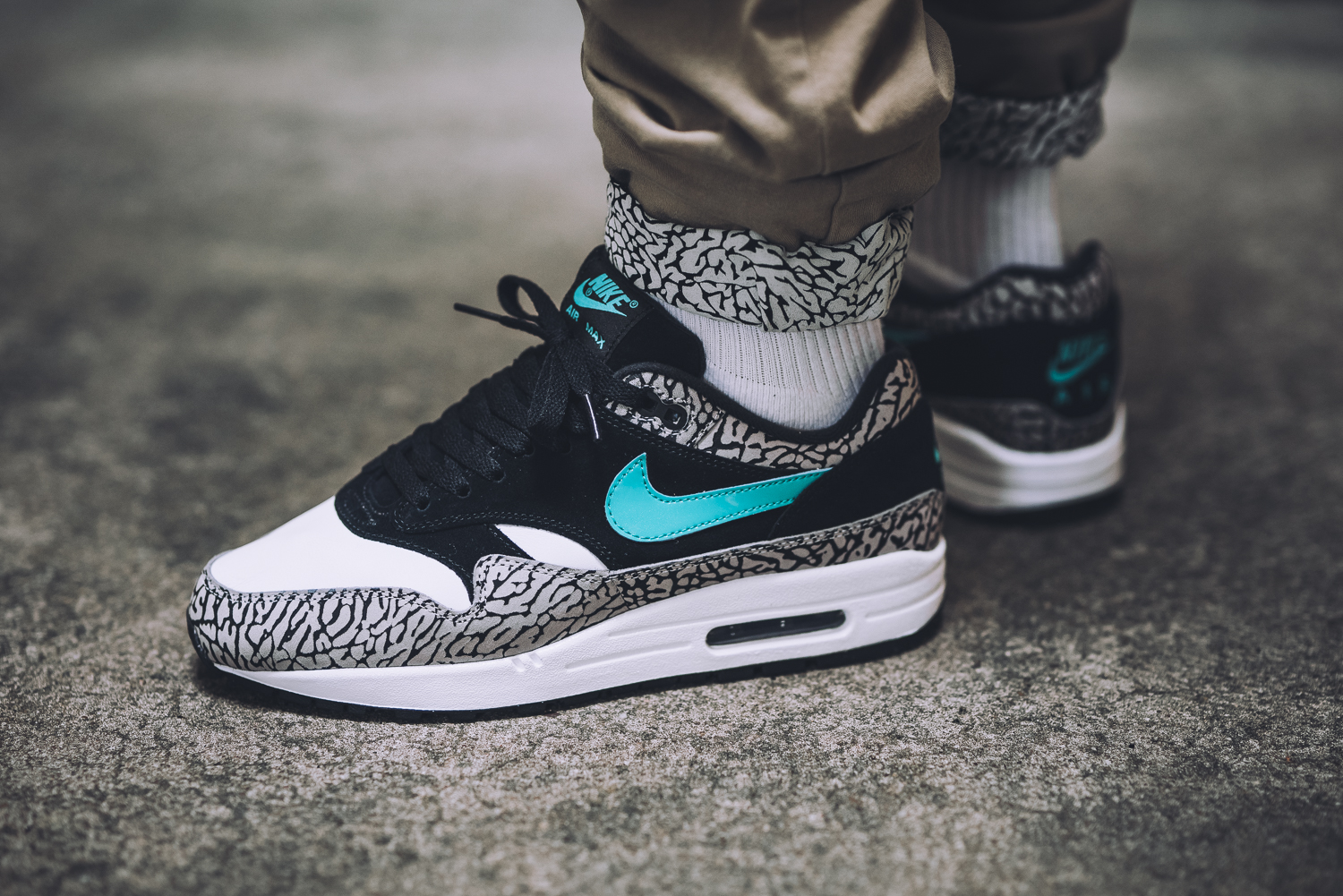Nike Air Max 1 x Atmos Elephant – Store Overview