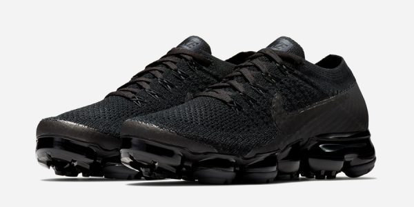 Nike Unveils a Completely Blacked Out Air VaporMax Colorway