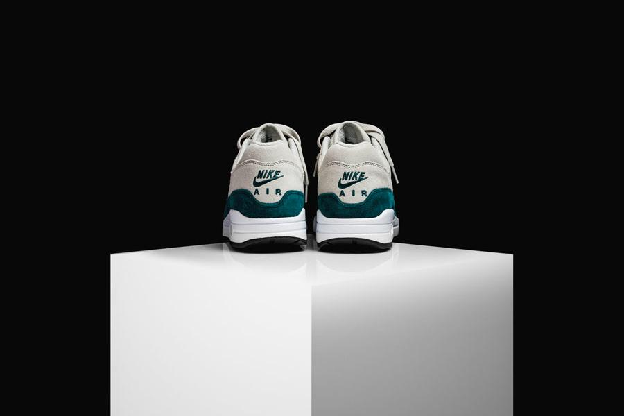 Nike Air Max 1 Jewel Atomic Teal (Back)