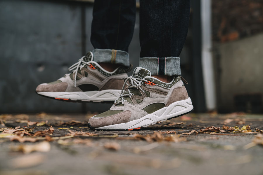 Karhu Mount Saana Pack 2017 - Fusion 2.0 Olive Night Taupe - On feet (Side)
