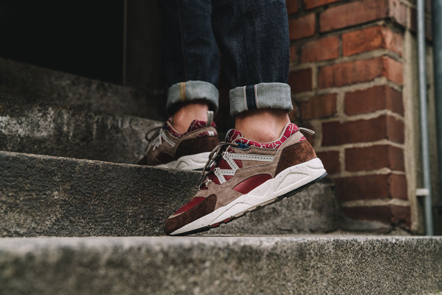 Karhu Mount Saana Pack 2017 - Fusion 2.0 Syrah Friar - Back (On feet)