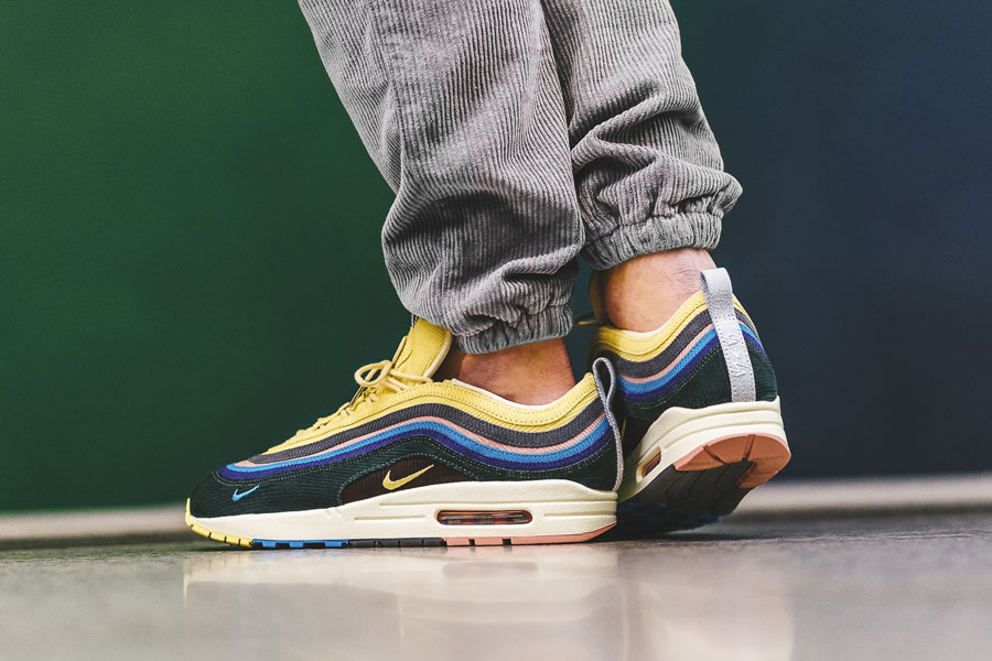 Sean Wotherspoon x Nike Air max 1 97 Collectors Dream (AJ4219-400) - On feet (Side)