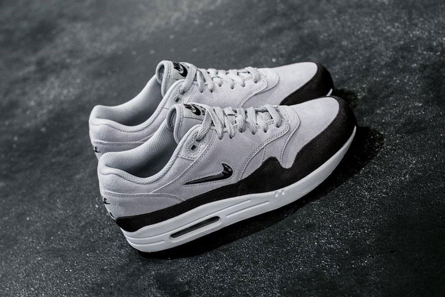Sneakers for Less Than 100 € - Nike Air Max 1 Premium SC Jewel (Grey)
