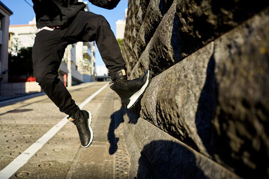 ECCO EXOSTRIKE DYNEEMA Edition (Black) - On feet (Wall)
