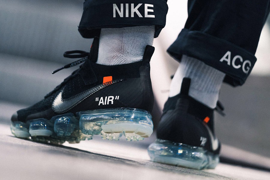 OFF-WHITE x Nike Air VaporMax Flyknit (AA3831-002) - On feet (Back)