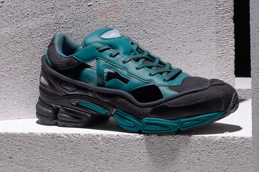 Raf Simons x adidas Ozweego Replicant (B27939 Black Colonial Blue)