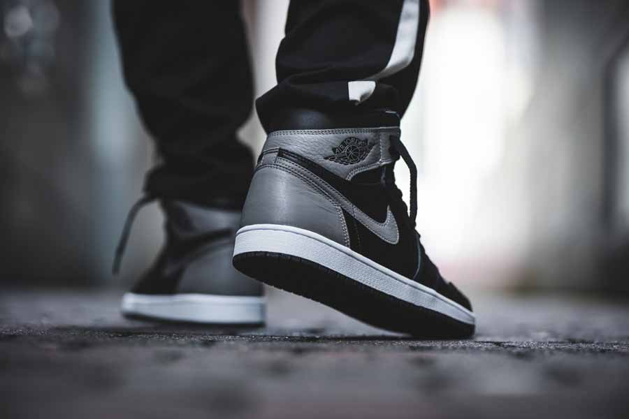 Nike Air Jordan 1 Retro High OG Shadow (555088-013) - On feet (Back)