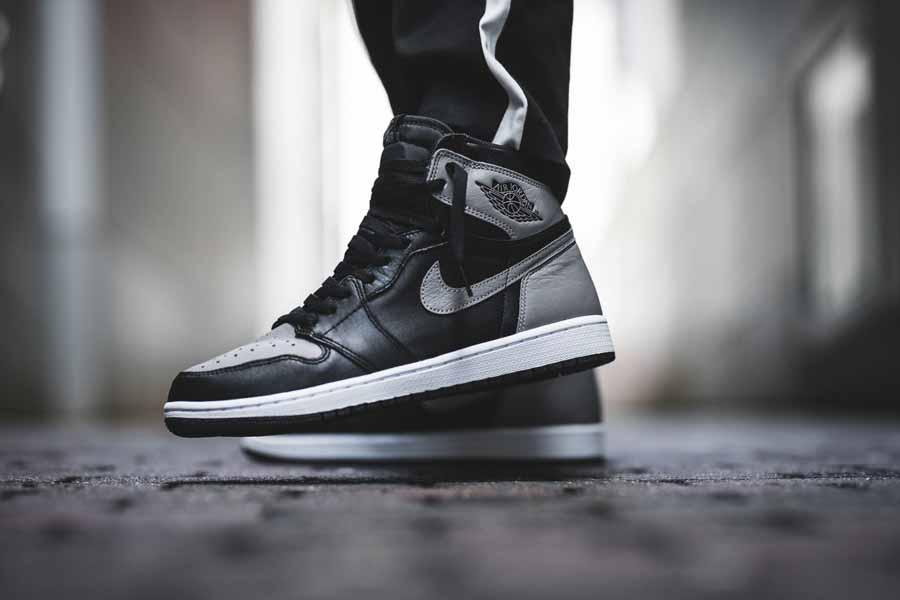 Nike Air Jordan 1 Retro High OG Shadow (555088-013) - On feet (Side)