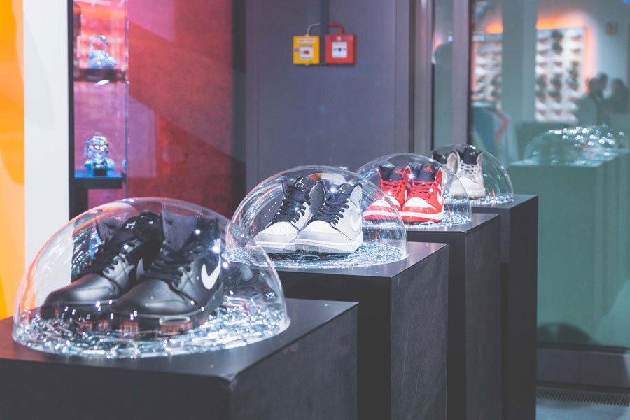 SNIPES presents The Customization of the Air Jordan 1 - Recap (Mid Sneakers)
