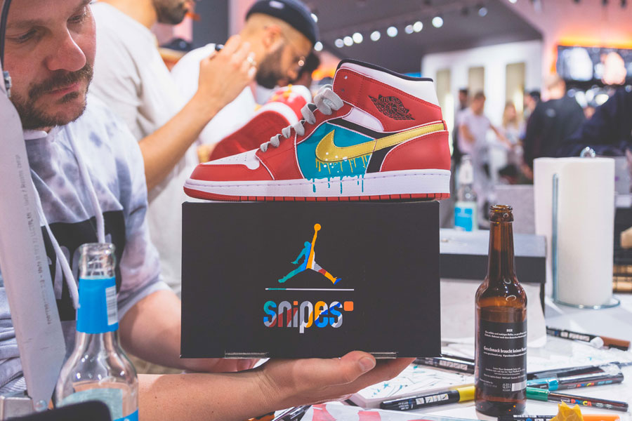 SNIPES presents The Customization of the Air Jordan 1 - Recap (Red Air Jordan 1 Mid Paint)