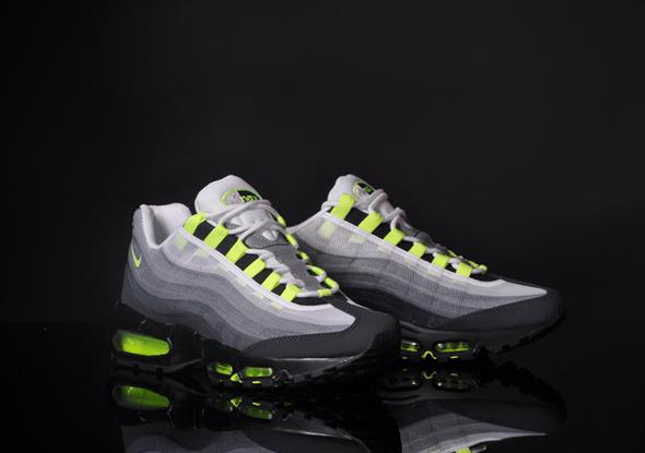 Nike-Air-Max-95-PRM-Tape-QS-OG-Grau-Neon_b3