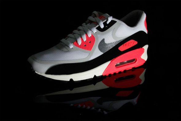 nike-air-max-90-infrared-tape-1