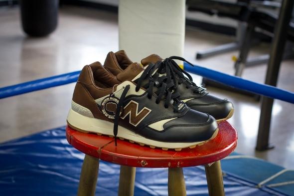 burn-rubber-new-balance-577-joe-louis-05