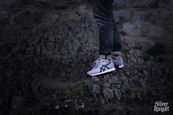 tgwo_onitsuka_tiger_silver_knight_on_feet_02
