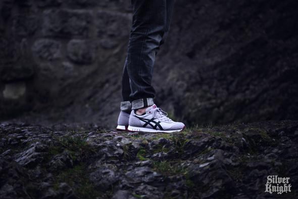 tgwo_onitsuka_tiger_silver_knight_on_feet_06