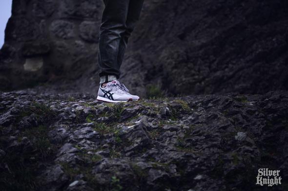 tgwo_onitsuka_tiger_silver_knight_on_feet_07
