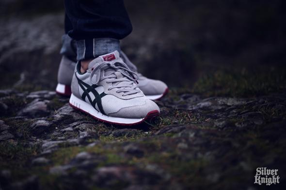 tgwo_onitsuka_tiger_silver_knight_on_feet_08