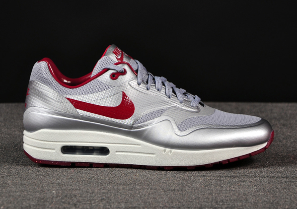 Nike-Air-Max-1-HYP-Night-Track-Silver-Red