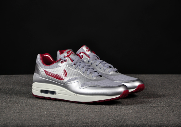Nike-Air-Max-1-HYP-Night-Track-Silver-Red_b2