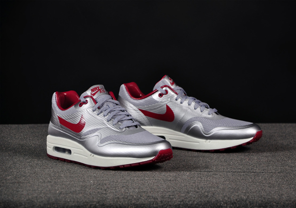 Nike-Air-Max-1-HYP-Night-Track-Silver-Red_b3
