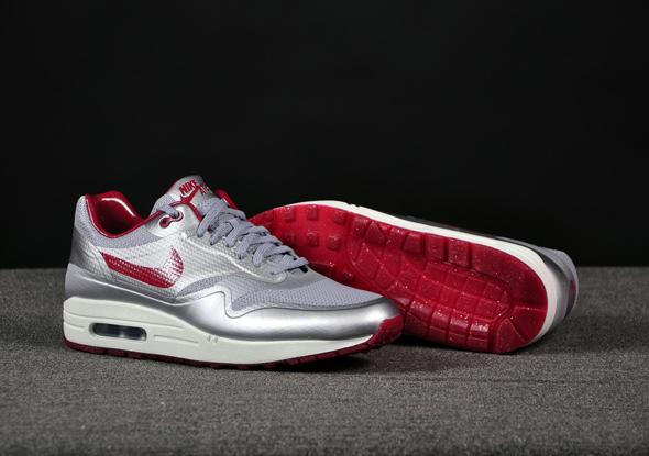 Nike-Air-Max-1-HYP-Night-Track-Silver-Red_b4