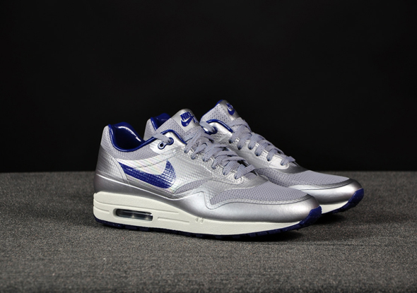 Nike-Air-Max-1-HYP-Night-Track-Silver-Royal_b2