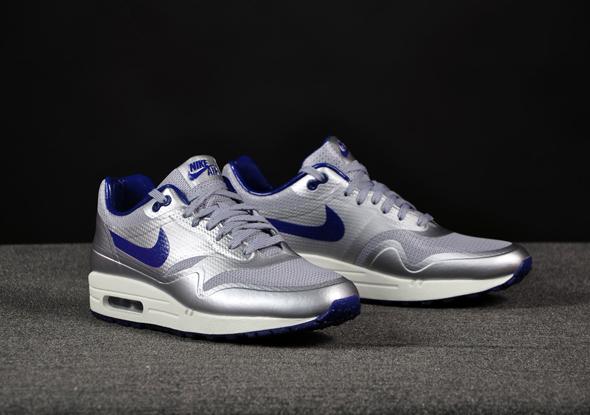 Nike-Air-Max-1-HYP-Night-Track-Silver-Royal_b3