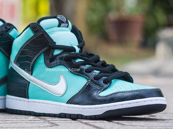 nike-sb-dunk-high-tiffany-4