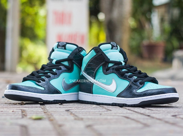 nike-sb-dunk-high-tiffany