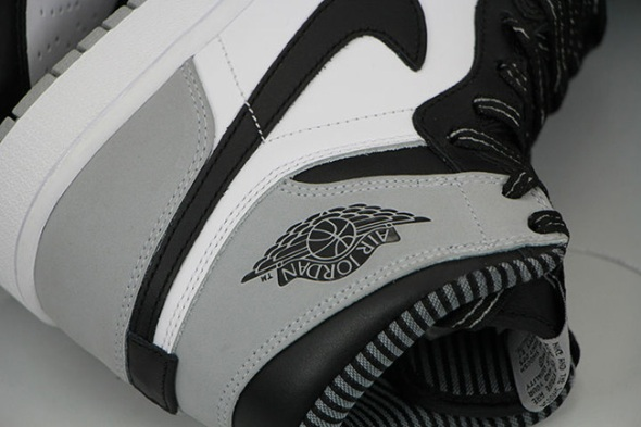 Air-Jordan-1-Barons-7