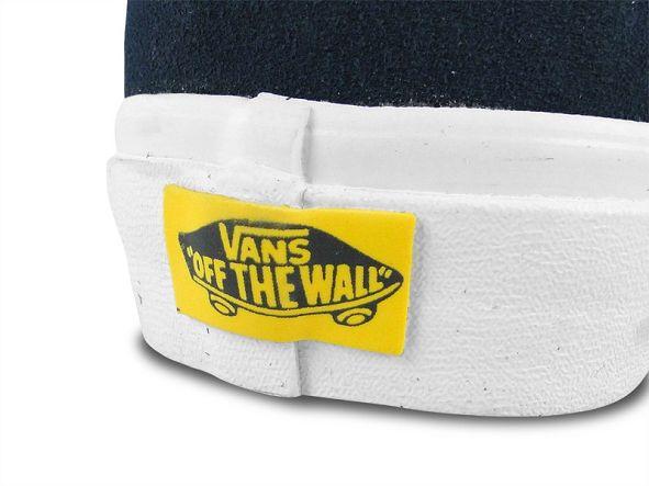 k-vans_sk8-hi_reissue_the_beatles_yellow_submarine_the_beatles_faces_dress_blues_vn-0-qg2c6d_1_