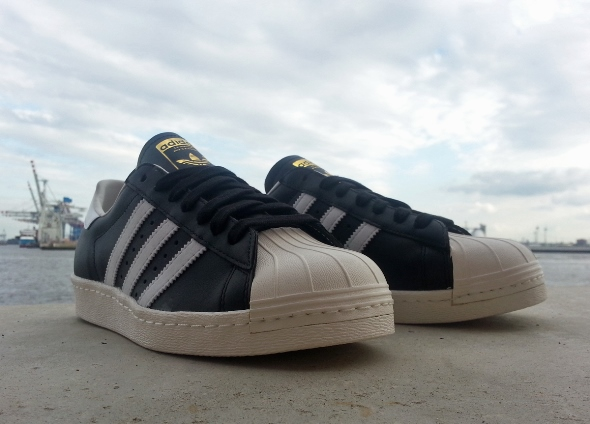 adidas_superstar_og_black_white_chalk_g61069_2