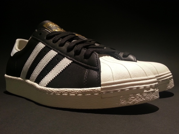 adidas_superstar_og_black_white_chalk_g61069_5