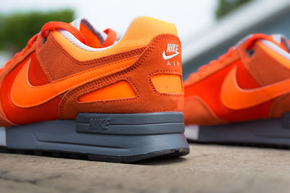 nike-air-pegasus-89-total-orange-04-570x380