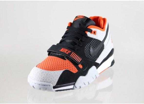 nike-air-trainer-2-prm-qs-(black-black-team-orange-wolf-grey)-632193-0022