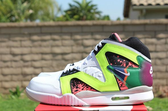 k-nike-air-tech-challenge-hybrid-neon-hot-lava