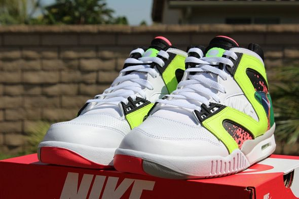 k-nike-air-tech-challenge-hybrid-neon-hot-lava1