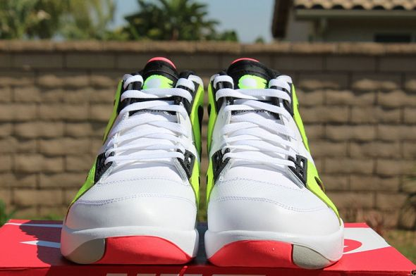 k-nike-air-tech-challenge-hybrid-neon-hot-lava2