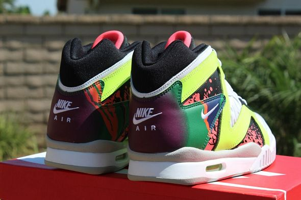 k-nike-air-tech-challenge-hybrid-neon-hot-lava5