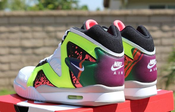k-nike-air-tech-challenge-hybrid-neon-hot-lava7