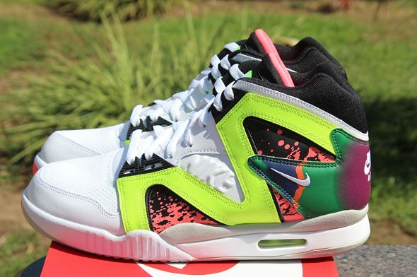 k-nike-air-tech-challenge-hybrid-neon-hot-lava8