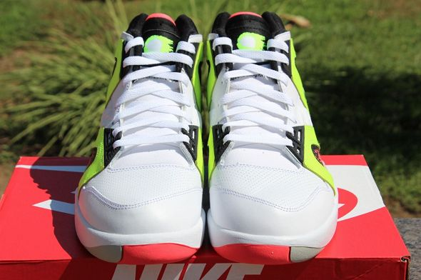 k-nike-air-tech-challenge-hybrid-neon-hot-lava9