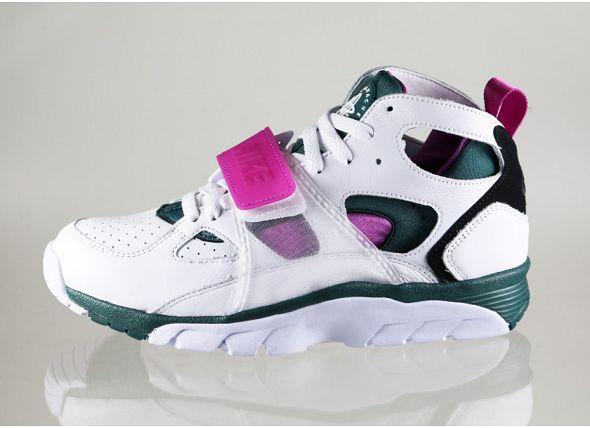 k-nike-air-trainer-huarache-prm-qs- og -(white-dark-emerald-black-medium-berry)-647591-100